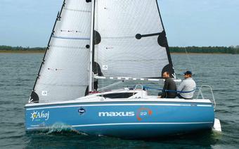 Test jachtu Maxus 22: Jacht na miarę Mazur